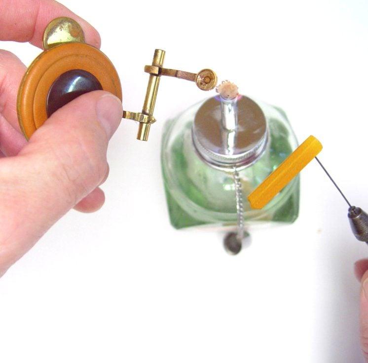 amber melt glue stick 3