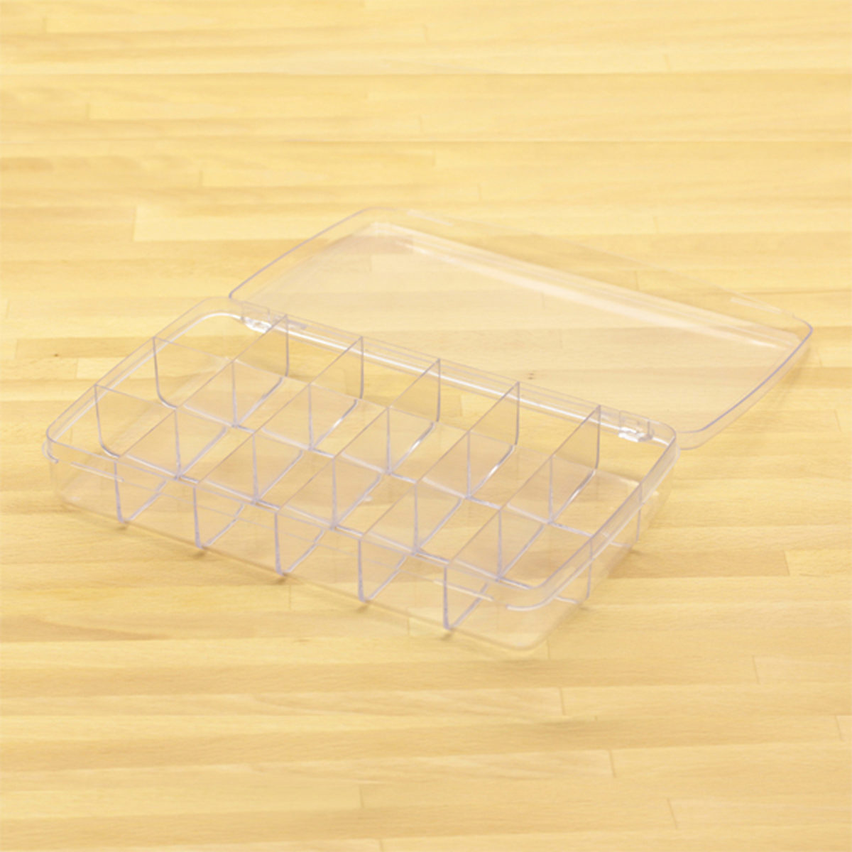 plastic box w 18 comp lg 2