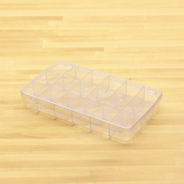 plastic box w 18 comp lg