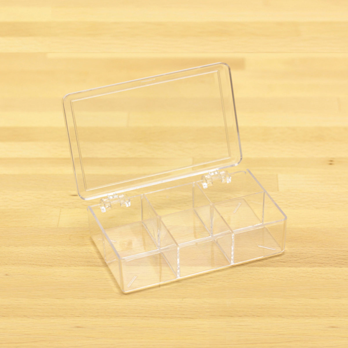 plastic box w 6 comp 3